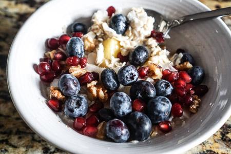 Qia gluten free oatmeal bowl