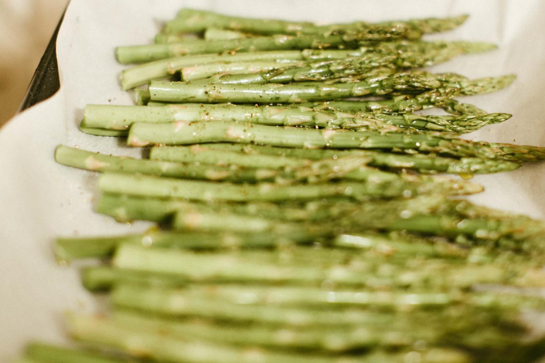 Recipe: Roasted Asparagus with Garlic & Lemon