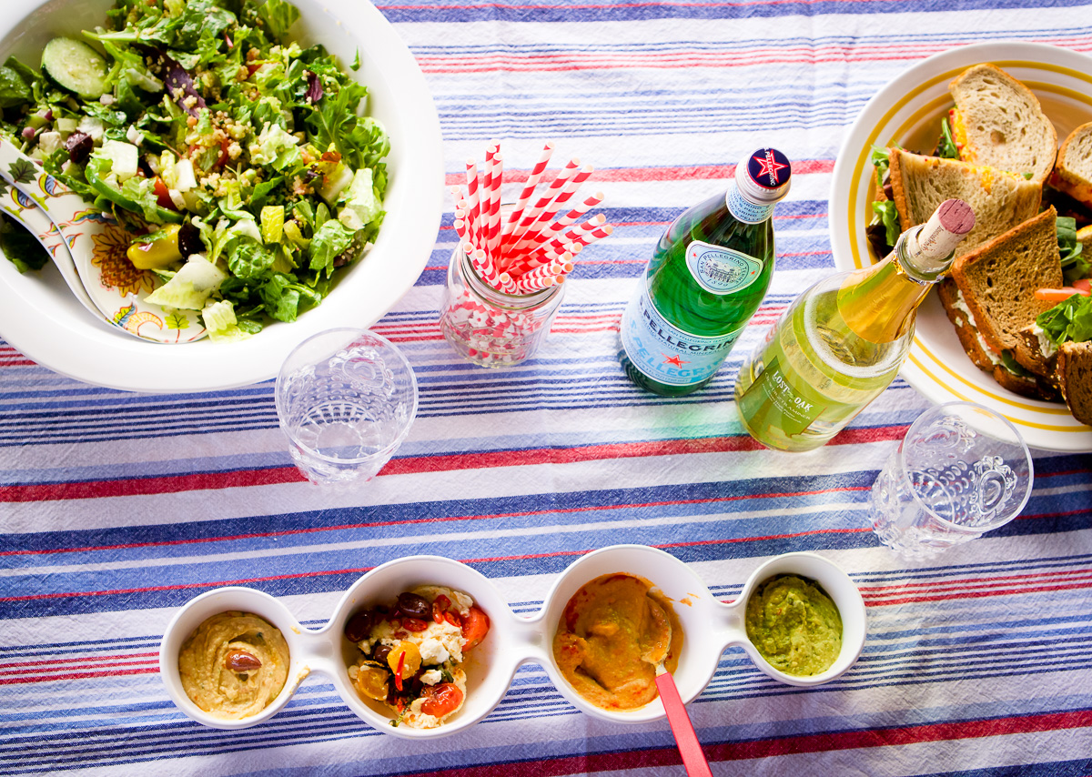 How to Throw the Perfect Picnic